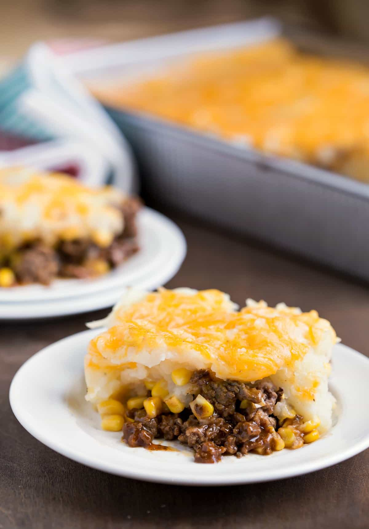 Barbecue Beef and Cheesy Potato Casserole - i heart eating
