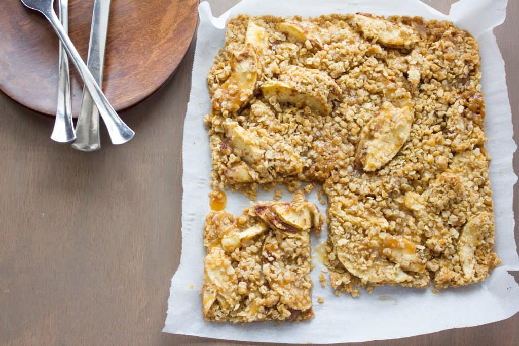 salted caramel apple crisp bars