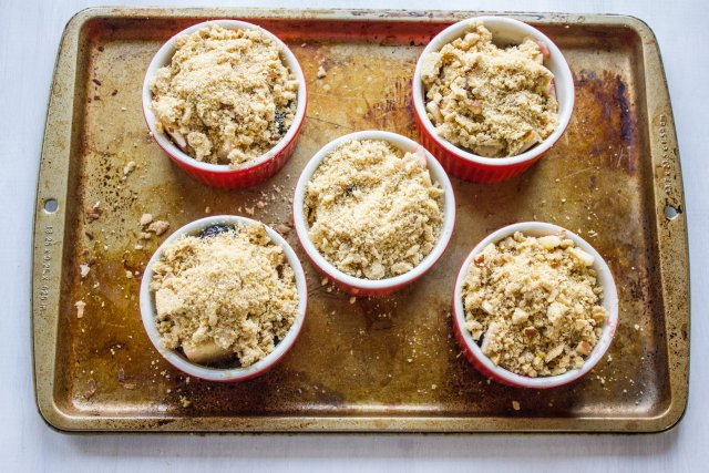 Blackberry apple cornmeal crumble4
