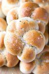 30 Minute Garlic Knots