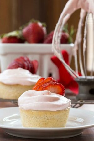 Strawberry Cream Cheese Icing