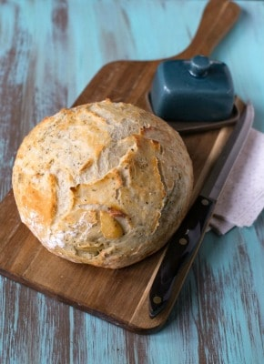 Garlic Herb No-Knead Bread