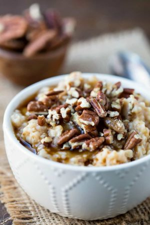 Slow Cooker Overnight Pecan Pie Oatmeal Recipe