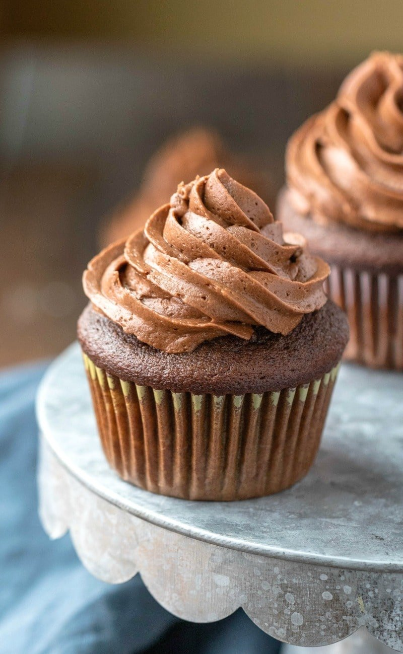 Easy Chocolate Cupcakes I Heart Eating